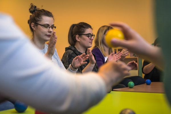 integracja sensoryczna sensodydaktyka szkolenia dla rad pedagogicznych szkolenia dla nauczycieli warszawa